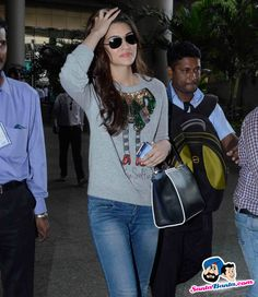 Dilwale Cast Spotted at Airport Picture # 324769