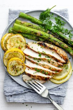Grilled lemon chicken is a tender, juicy and savory grilling recipe that is perfect for summer. It's light, healthy and beaming with Mediterranean flavor! Grilled Lemon Chicken, Healthy Chicken, Chicken Recipes, Chicken Asparagus, Grilling Recipes, Keto Recipes, Dinner Recipes, Healthy Recipes, Dessert Recipes