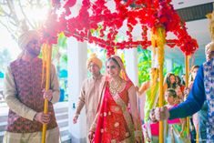 It's drama time and the emotions are running high. Yes, it's time for the bride to make her grand bridal entry into the hall. Wedding 2017, Wedding Venues, Wedding Ideas, Wedding Card Design, Wedding Cards, Festival Decorations, Wedding Decorations, Bride Entry, Indian Wedding Planning