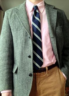 J Press 3/2 Harris Tweed jacket, Brooks Brothers pink OCBD, Reis of New Haven wool/silk tie, Trafalgar belt, Ralph Lauren Polo tan corduroys.