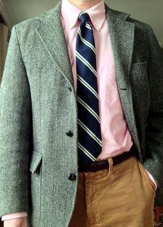 J Press 3/2 Harris Tweed jacket, Brooks Brothers pink OCBD, Reis of New Haven wool/silk tie, Trafalgar belt, Ralph Lauren Polo tan corduroys.