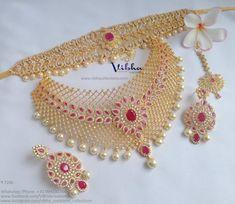 Antique Jewellery Designs, Fancy Jewellery, Gold Jewellery Design, Indian Bridal Jewelry Sets, Bridal Jewellery, Bridal Necklace Set, Real Gold Jewelry, Jewelry Patterns, Choker