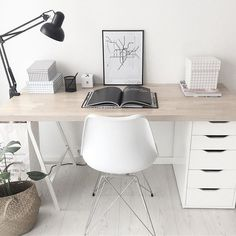 The contemporary home decor inspirations you've been looking for. Don't … - Home Office Decoration Home Office Space, Home Office Design, Home Office Decor, Office Workspace, Small Office, Home Office Table, Workplace Design, Office Organization At Work, Office Ideas