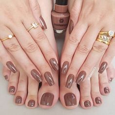 The pink nail art design can highlight the soft and sweet temperament of women.Pink nail art designs can be used in almost all occasions, not unassuming, but without losing grace. Rose Gold Nails, Purple Nails, Nude Nails, Neutral Nails, Yellow Nails, Nail Art Hacks, White Nail Designs, Nail Art Designs, Nails Design