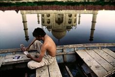 Steve McCurry | An unguarded Moment, Agra, India.