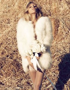 Fashion pictures or video of Anja Rubik: Vogue Nippon March in the fashion photography channel 'Photo Shoots'. Anja Rubik, Fur Fashion, Trendy Fashion, Fashion Models, Fashion 2014, White Fashion, Fashion Shoot, Fashion Styles, Spring Fashion