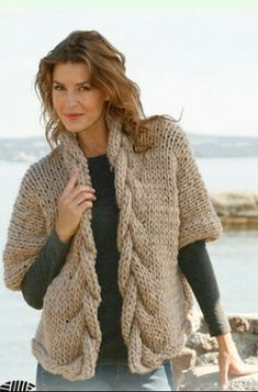 Sophisticated twist / DROPS - free knitting patterns by DROPS design DROPS jacket with a plait in Polaris. Sizes S - XXXL Free patterns by DROPS Design. Knitting Patterns Free, Knit Patterns, Free Knitting, Knitting Wool, Drops Patterns, Vest Pattern, Free Pattern, Drops Design, Baby Cardigan