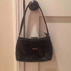 """🇺🇸☀️🏖SALE!!! Vintage Liz Claiborne bag Liz Claiborne, faux snakeskin, black purse. Approx 9""""x6""""x2"""". Mint condition. So 90s!! Liz Claiborne Bags Satchels"""