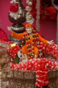 Sai Baba, the guru of gurus Sai Baba Pictures, God Pictures, Sai Baba Hd Wallpaper, Sai Baba Quotes, Om Sai Ram, Durga Maa, Pooja Rooms, Lord Vishnu, Indian Gods