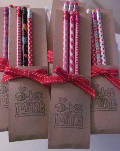 Lápices para souvenir de San Valentín.