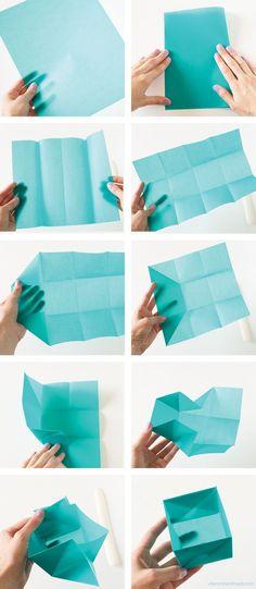 Renkli El İşi Kağıdından Minyatür Kase Yapmak Kağıttan yapılan çalışmaları gördükçe sürekli sizlere bu başlık altından paylaşmaya çalışıyorum. Çünkü kağıttan yapılan çalışmalara adeta bayılıyorum. …