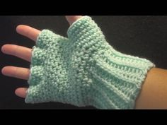 How to Crochet Fitted Hand Warmers