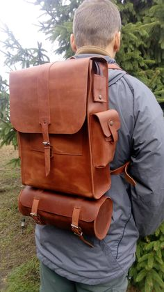 Vintage Motorcycle Helmet, Classic Indian Motorbike plus much more in Vintage, Classic, Historic. Leather Laptop Bag, Leather Pouch, Leather Purses, Leather Men, Leather Handbags, Leather Holster, Thick Leather, Leather Belts, Leather Satchel