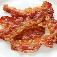 """Foods to Avoid when on a Diet: BACON. Bacon Facts: It is mostly fat. Only 3 slices have 4.5 grams of fat and about 270 mg of sodium. Opt for lower sodium varieties and try turkey bacon instead of pork. It tastes quite good and we use it with our breakfast about once per week now instead of bacon. We enjoy it as a """"special treat,"""" not an everyday indulgence. #garciniacambogiapure"""