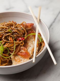 These Lo Mein Noodles are a delicious, quick, and easy side! Whip them up for dinner tomorrow! http://www.joyofkosher.com/recipes/lo-mein-noodles/