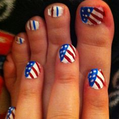 Fourth of July nail art. How I want to do my nails!