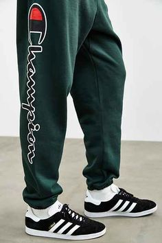 Champion X UO Reverse Weave Script Logo Sweatpant - Urban Outfitters