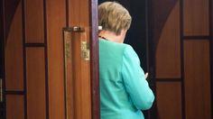 """Pressestimmen zur Wahl: """"Merkel-Land ist abgebrannt"""" - Die AfD hat bei den Landtagswahlen in Mecklenburg-Vorpommern das zweitbeste Wahlergebnis erzielt - vor der CDU. Reaktionen und Pressestimmen zur Wahl."""