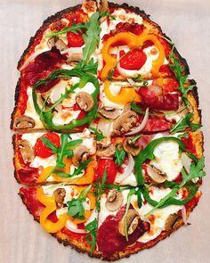 Podívejte se na tipy na večeře, které jsou jednoduché, zvládne je každý, i muži a ještě díky nim budete mít každý den co vařit. Vegetable Pizza, Pesto, Nyc, Vegetables, Food, Sprouts, Essen, Vegetable Recipes, Meals