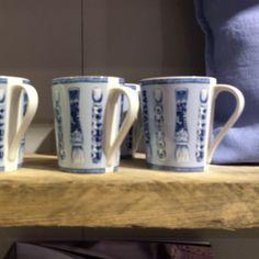 Calli+-+Mug++bleu+et+blanc+pinceaux+(par2)
