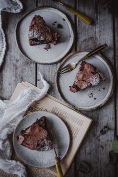 Suklaa-marenkikakku (GF) – Viimeistä murua myöten Cravings, Deserts, Baking, Recipes, Sweet Stuff, Food, Drinks, Bread Making, Beverages