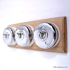 Round Light Switch: Round Dolly Light Switch on Wooden Base Chrome 3 Gang,Lighting