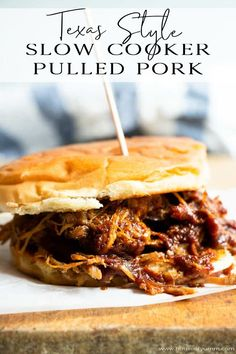 Easy to make slow cooker pulled pork! No smoker needed! Tender, flavorful and smokey pulled pork straight from your own slow cooker! Perfect for enjoying as a BBQ Pulled Pork Sandwich, or loaded up on nachos, tacos, or ev Best Slow Cooker, Slow Cooker Recipes, Crockpot Recipes, Nachos, Slow Cooking, Cooking Chef, Sandwich Au Porc, Pulled Pork Recipes, Recipe Pulled Pork Slow Cooker
