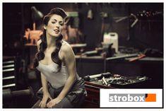Portrait photo and lighting setup with Softbox and Strobe by Łukasz Borkowski on strobox.com