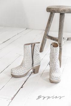 CALOU Molly boot, WHITE FUR - Shoes - BYPIAS