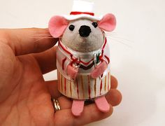 Doctor Who Peter Davison ornament felt mouse hamster rat mice cute gift for animal lover or dr who collector - READY to SHIP. via Etsy. Fifth Doctor, New Doctor Who, Doctor Who Christmas, Christmas Tree, Peter Davison, Jon Pertwee, Felt Mouse, House Mouse, Felt Ornaments