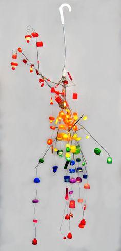 100 doppen aan een paraplu-geraamte met led-verlichting. Reuse, Lamps, Lightbulbs, Light Fixtures, Lights, Rope Lighting, Lanterns