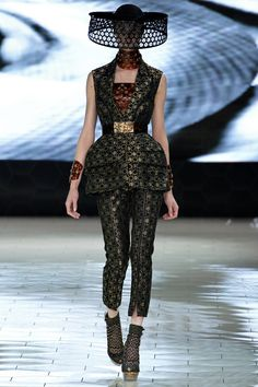 Alexander McQueen spring/summer '13 - ready to wear