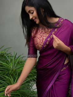 Awesome blouse design - The handmade craft Saree Blouse Neck Designs, Fancy Blouse Designs, Saree Models, Blouse Models, Indian Beauty Saree, Indian Sarees, Indian Designer Sarees, Latest Designer Sarees, Maxi Dresses
