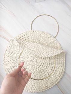 Diy Clutch, Diy Purse, Sewing Projects For Beginners, Sewing Tutorials, Diy Bag Designs, Diy Bags Patterns, Diy Straw, Diy Bags Purses, Coin Purses