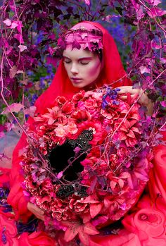 Fantastical Portrait Photography by Kirsty Mitchell Fashion Photography by Kirsty Mitchell. Born in 1976 … Kirsty Mitchell Wonderland, Foto Fantasy, Mode Rose, Photo Series, Photo Book, Editorial Fashion, Fairy Tales, Fashion Photography, Portrait Photography