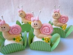 Cupcakes Decorados Ideas Polymer Clay 27 Ideas For 2019 Christmas Cupcakes Decoration, Kids Christmas Ornaments, Fun Cupcakes, Birthday Cupcakes, Fondant Cakes, Cupcake Cakes, Cake Templates, Fondant Animals, Miniature Crafts