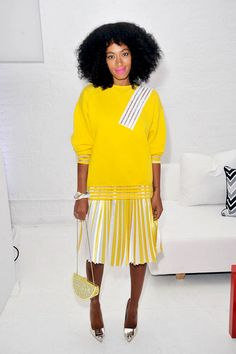 Solange Knowles isn't scared to push the envelope in regards to fashion. Flawless photo-taker Solange Knowles has an exact particular aesthetic, which explains why she's so choosy in re… Solange Knowles, Streetwear, Yellow Hoodie, Yellow Sweater, Spring Skirts, Street Style, Fashion Pictures, Style Pictures, Her Style
