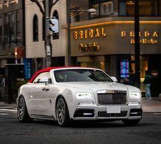 Rolls-Royce Rolls Royce Wraith, Rolls Royce Phantom, Rolls Royce Cullinan, Maybach, Koenigsegg, Aston Martin, Bugatti, Jaguar, Ferrari
