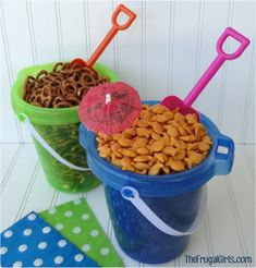 For a beach party, you can keep snacks in buckets and use a toy shovel as a shovel. - decoration For a beach party, you can keep snacks in buckets and use a toy shovel as a shovel., For a beach-themed party, keep snacks in buckets and use a toy sh. Luau Birthday, Summer Birthday, Birthday Parties, Birthday Ideas, Themed Parties, Hawaiian Birthday, Birthday Recipes, Mermaid Birthday, 10th Birthday