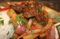 Lomo Saltado Lomo Saltado, Peruvian Dishes, Peruvian Recipes, Peruvian Cuisine, Chefs, Beef Marinade, Chicharrones, Comida Latina, Gastronomia