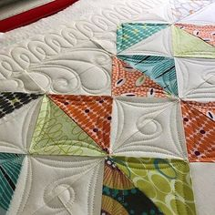 Well I feel semi-human again so I'm trying to squeeze in some custom quilting. Let's just say I'm super duper behind which I hate. It causes so much anxiety knowing clients are patiently waiting. But colds are the and I knew I couldn't work with zero mental clarity. By my estimates I should be caught up around 2025. #Orchidowlquilts #innovalongarm #innovalongarmquilting #clientquilt #customquilting #battgirls #superiorthreads #freehandcustomquilting #proudinnovian #otisquilt