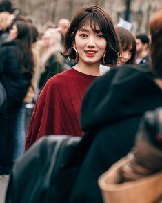 Park Shin Hye 2019 Source by cnk_aom Park Shin Hye Boyfriend, Park Shin Hye Pinocchio, Korean Cosmetic Brands, Korean Celebrities, Korean Actresses, Celebrity Hairstyles, Korean Beauty, People Magazine, Hair Goals