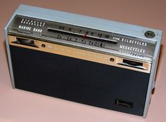 Vintage Hitachi Transistor Radio, Model WH-822 (aka WH-822MB), Broadcast & Marine Bands, 8 Transistors, Made In Japan, Circa 1959.