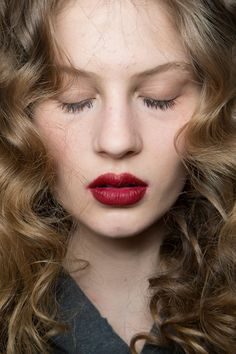 Blugirl at Milan Fall 2015. http://votetrends.com/polls/369/share #makeup #beauty #runway #backstage