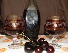 Flute, Rum, Red Wine, Alcoholic Drinks, Champagne, Tableware, Glass, Alcoholic Beverages, Dinnerware