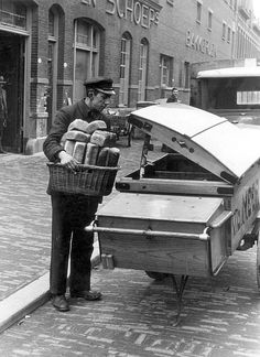 """And here is the baker bringing fresh baked bread.and rolls and """"krenten-brood"""" (raisin bread) to our door. Great service for sure.don't have this anymore today. Vintage Pictures, Old Pictures, Old Photos, Rotterdam, Utrecht, Man 2, The Hague, The Old Days, Eindhoven"""