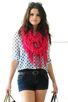I love the dream out loud clothes line<3<3