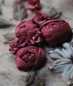 www.labastidane.fr/journal beautiful cabochon ribbon roses
