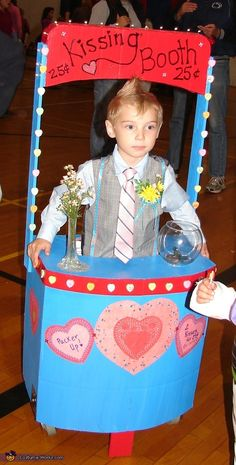 Kissing Booth - ~ this is a cute idea for a Valentine Party costume or prop!