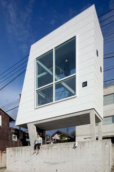 window house by yasutaka yoshimura architects in kanagawa, japan